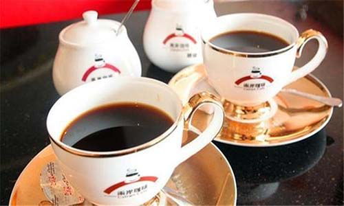 两岸咖啡加盟如何   如何提升人气值